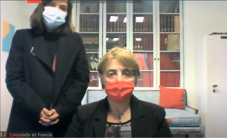 Laura Franchi y la consul argentina en Francia